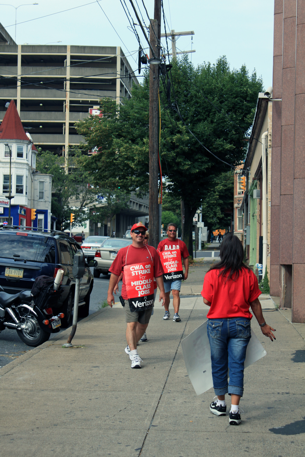 Verizon Workers on Strike 3