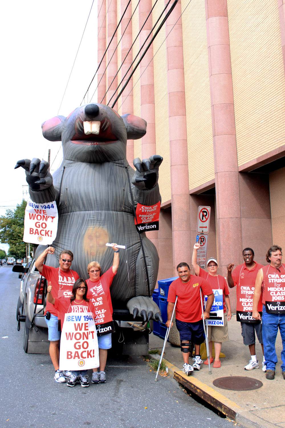 Verizon Workers with Scabby the Rat